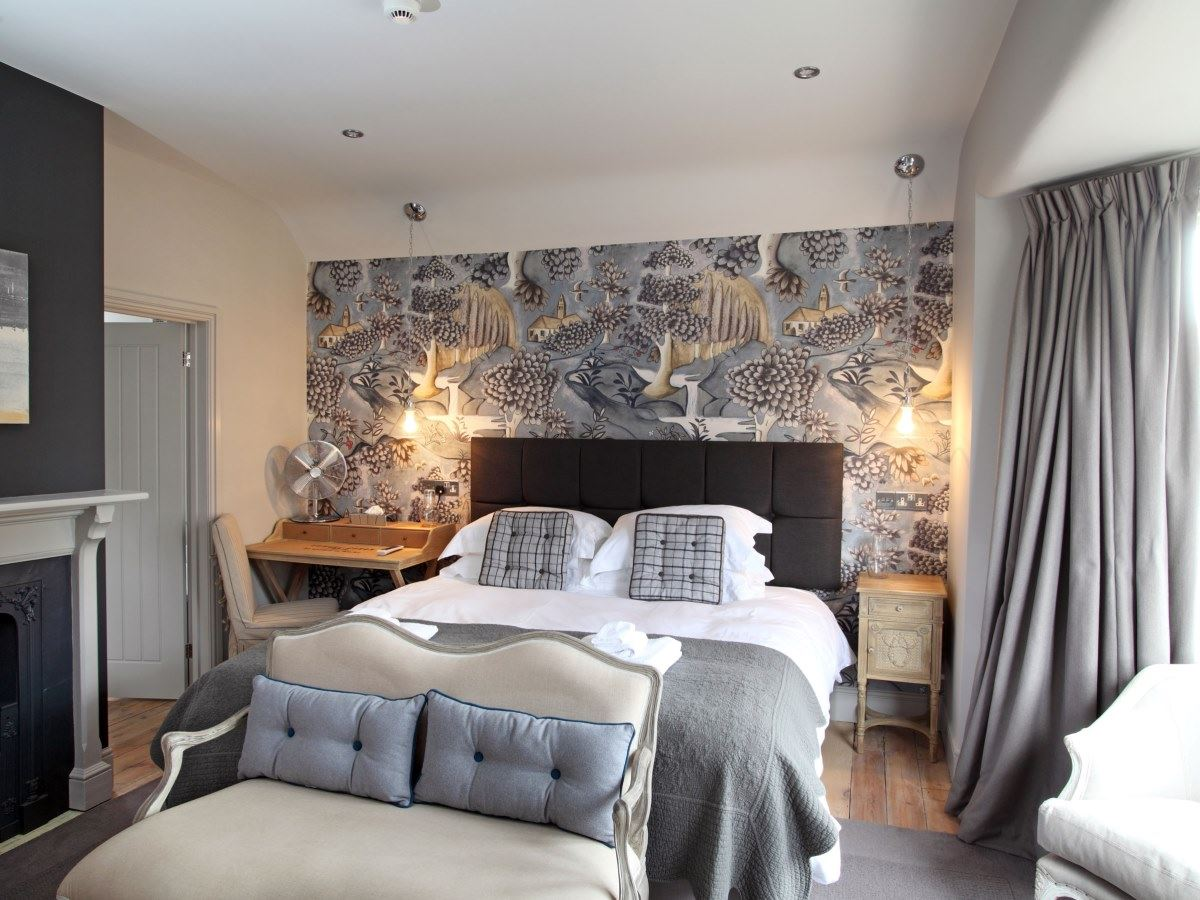 Rooms no 33 hunstanton bed and breakfast hotel four for Design boutique hotel rimini